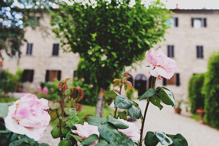 Countryside wedding venue! Perfect for eloping #wedinflorence  #destinationweddings #tuscany @Wed in Florence @sebastiandavidbonacchi http://wedinflorence.com/
