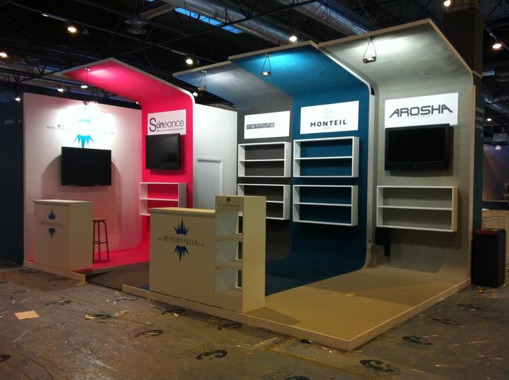 Stand realizado para 4 marcas de cosmética.  Grupo Diseño y Publicidad.