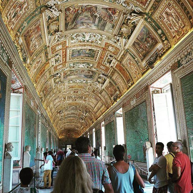 Vatikanmuseet er et must når man er i #Roma. Mange tar en tur til kirken og dropper museet, men ta deg tid. Du vil ikke angre det. #reisetips #reiseliv #reiseblogger ************************** #Repost @ama_nil with @repostapp ・・・ #throwback to when i Fina
