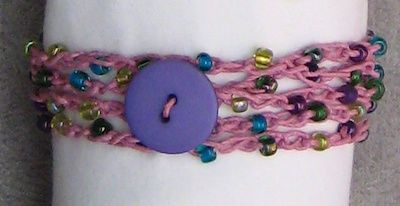 This would be fun for girls to make.  I think I would use a thin thread.