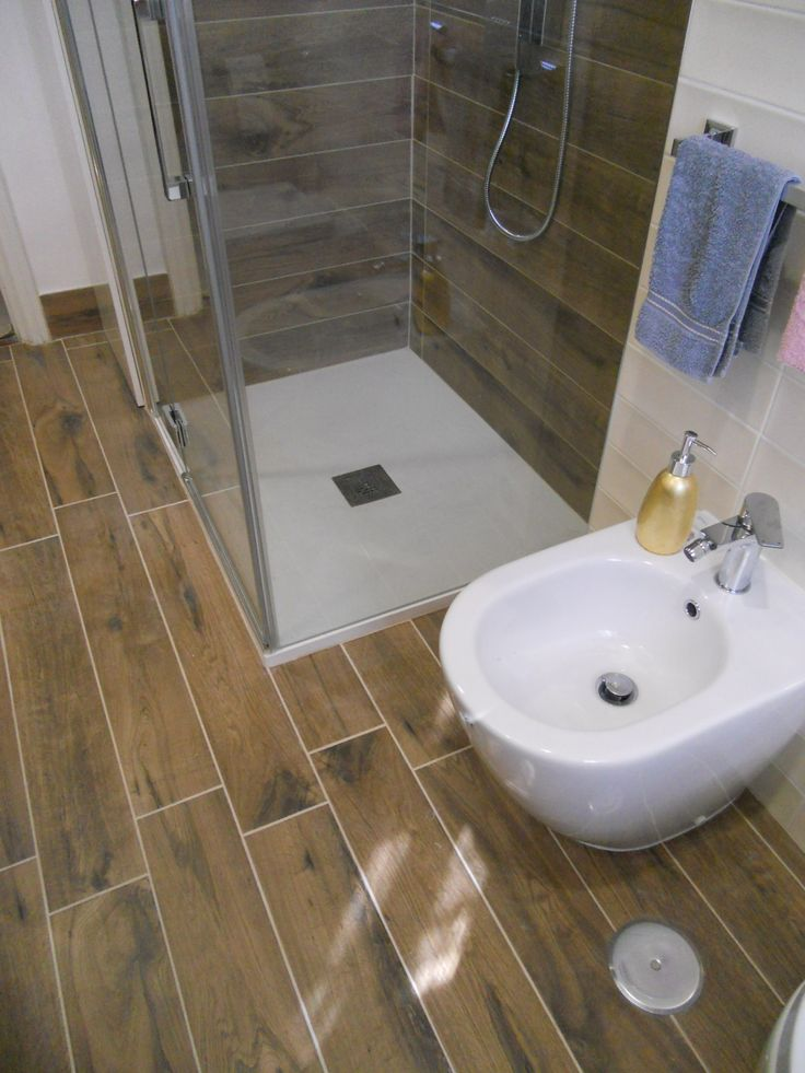7 best images about bagno effetto legno on pinterest led boxes and il - Scatola sifonata bagno ...