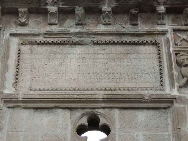 Iscrizione Loggia Palazzo dei Papi