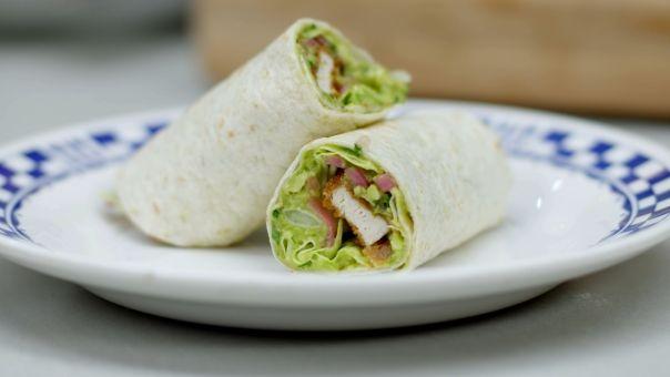 Eén - Dagelijkse kost - tortilla met krokante kip en guacamole in hapklare stukjes snijden voor de hapjesbar