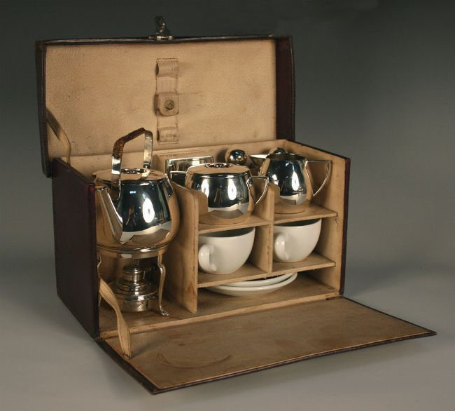 this would make a great gift for a friend who loves tea...traveling tea service...perhaps convert a makeup case
