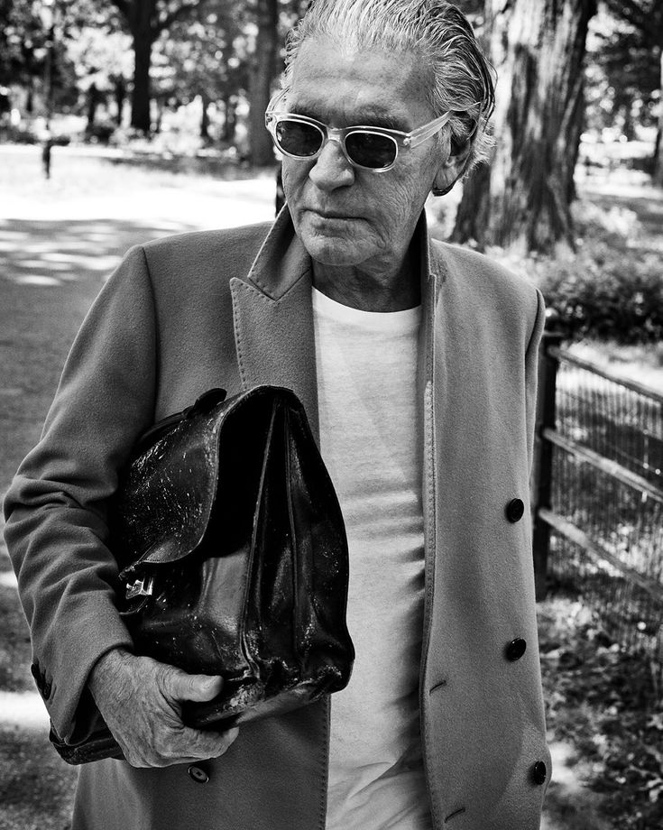 SALLE PRIVÉE PORTRAITS | Portrait No.1 Wayne Maser, New York City based Photographer - Photography by Marc Hom