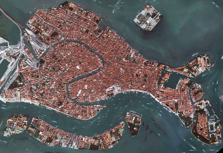 Satellinte View of Venice, Italy | http://thefemalecelebrity.com/map-of-venice-italy.html
