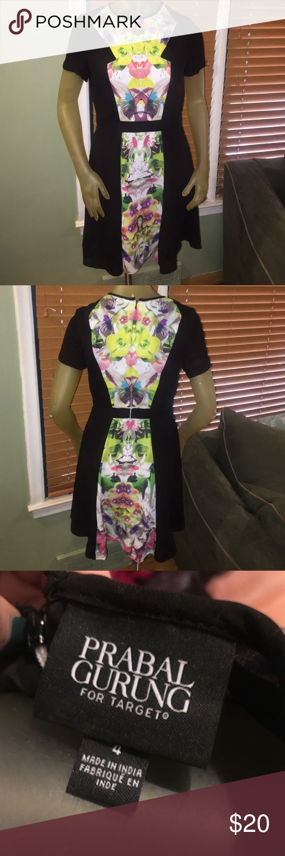 Prabel Gurung for Target cute dress Really cute dress with floral print front and back. Perfect for a bridal shower or wedding. Sits a little above knee. Zipper in back Prabal Gurung for Target Dresses Mini