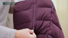 How to Wash Down Jacket- Do up Zips