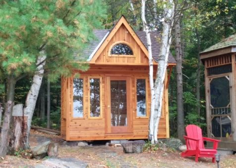 Glen Echo cabin 9x12 with Single french door in North Bay Ontario. ID number 194900-1.