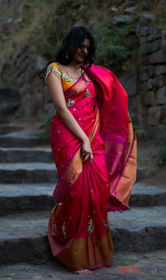 Indian Jewellery and Clothing: Totally in love with this pink saree paired with stunning yellow blouse from Golden threads