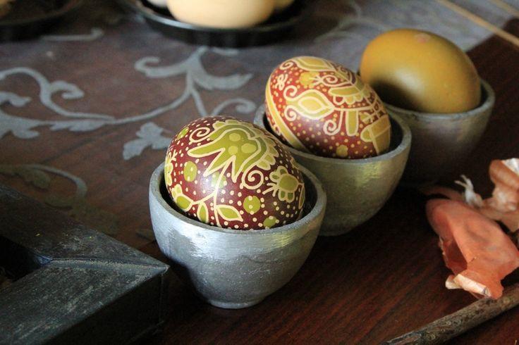 Hungarian traditional Easter egg, Natural easter egg  Növényi festőlében színezett, általam készített , hagyományos magyar írott hímes tojás   fotó: Horváthné Lovas Ildikó