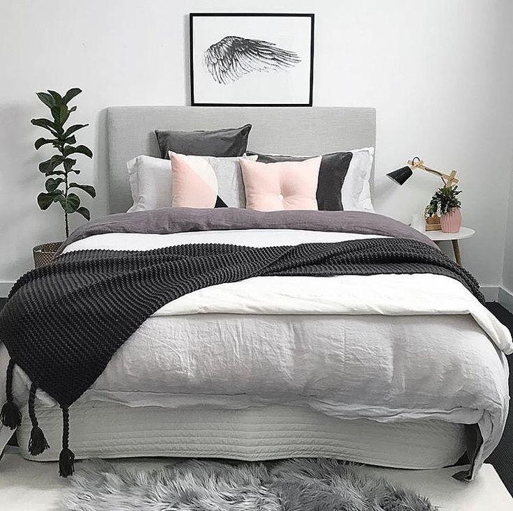 "6,934 gilla-markeringar, 41 kommentarer - Scandinavian Homewares (@immyandindi) på Instagram: ""The pretty bedroom of Sheree @myhouseloves 👈🏻 featuring our blush button cushion 💕"""
