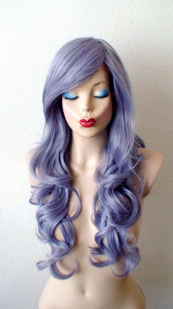 Perücken von Keke 2015   Farbe: Pastell Lavendel dunkelgrau Frisur: Lange locken mit Längsseite anschlägt Gesamtlänge: 26 Teil: Kreis Mittelteil auf beiden Seiten getrennt werden kann Knallt Länge: 13- 14 Cap Größe: durchschnittlich 22,5 im Kopf Circufemence, einstellbar in 22-23  Netto Gewicht: 8,75 oz. Haartyp: Premium Futura Hitze beständig synthetisches Haar  Besondere Merkmale:  Sehr weich und natürlich aussehendes Haar Textur Hitze-freundlich-Faser ermöglicht es Ihnen, das Haar in…