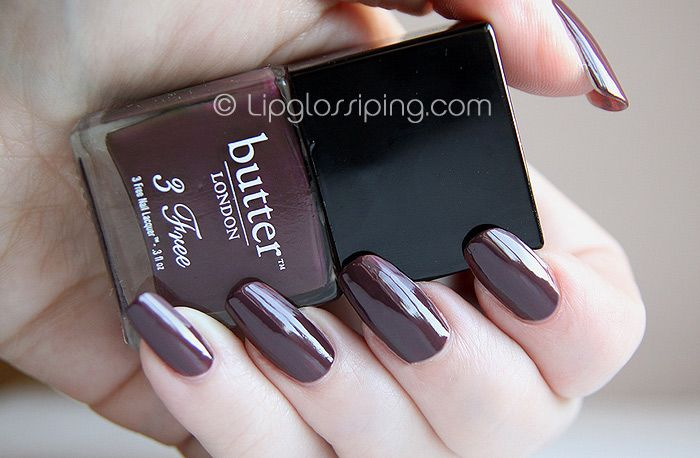 Butter London's Tramp Stamp is a rich, dark chocolatey shade which leans toward the plum. It's a gorgeous Winter shade.