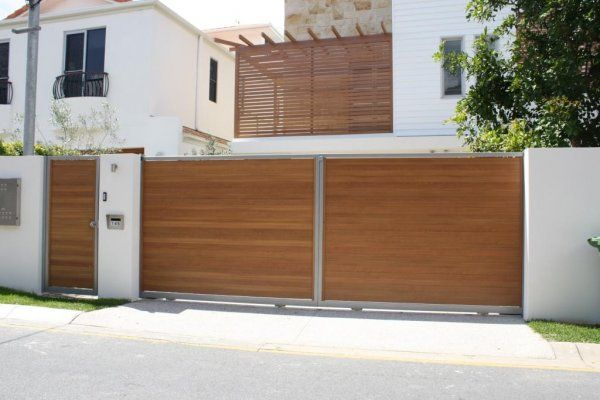 "DecoWood ""Casuarina"" gates and pergola screens by SpaceSpan Australia - http://www.decorativeimaging.com.au/index.php?option=com_rsgallery2&page=inline&id=115&Itemid=53 #design #architecture #gates #timberlook"