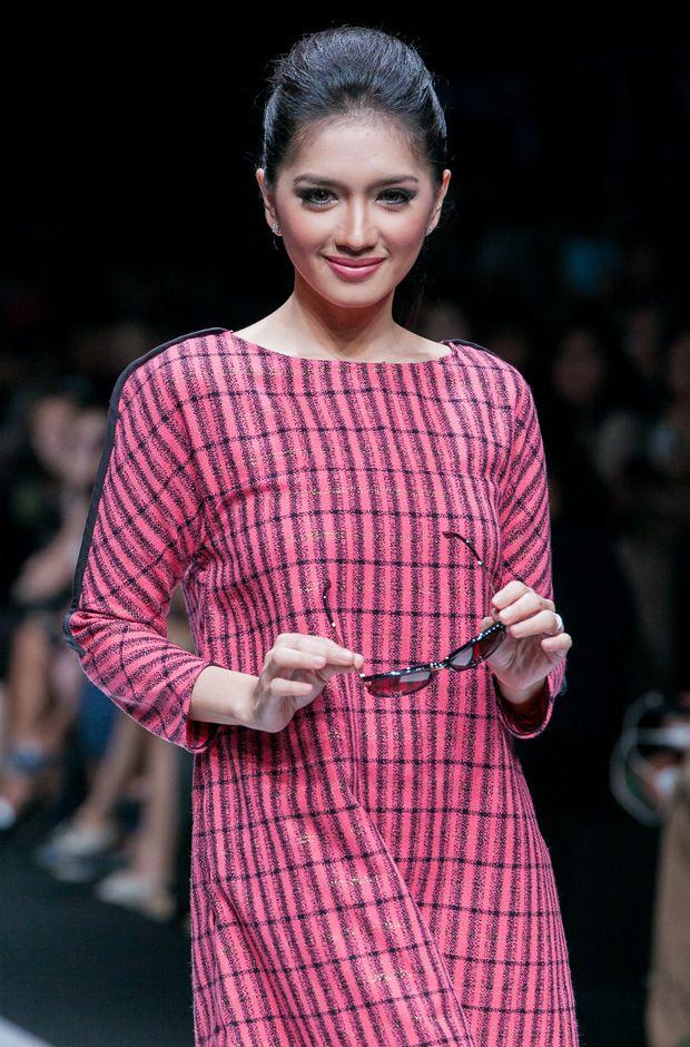 Angellina Karamoy #Indonesian #celebrities http://livestream.com/livestreamasia