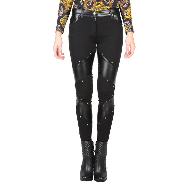 Innovadores pantalones para mujer de la marca Versace Jeans. (Innovative pants for women of the brand Versace Jeans).