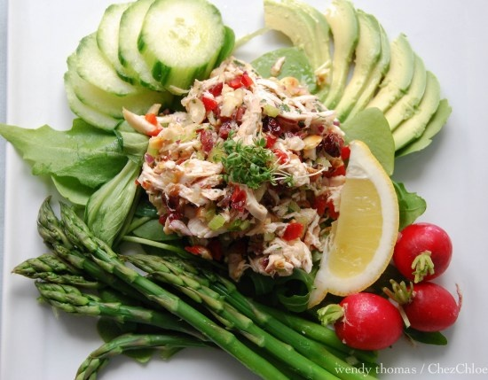 Mmmm....this looks SO SO yummy!  Tarragon Chicken Salad with Cranberries and Hazelnuts & a side of Asparagus