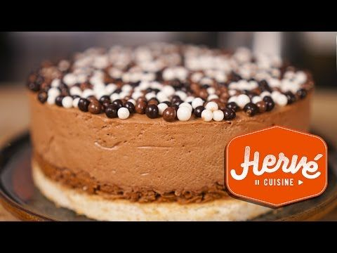 Recipe Gateau Chocolat Royal easy: almond biscuit, chocolate mousse, crunchy praline - YouTube