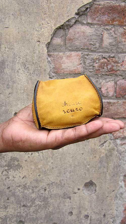 Mustard Nicola, Chiaroscuro, India, Pure Leather, Handbag, Bag, Workshop Made, Leather, Bags, Handmade, Artisanal, Leather Work, Leather Workshop, Fashion, Women's Fashion, Women's Accessories, Accessories, Handcrafted, Made In India, Chiaroscuro Bags - 8