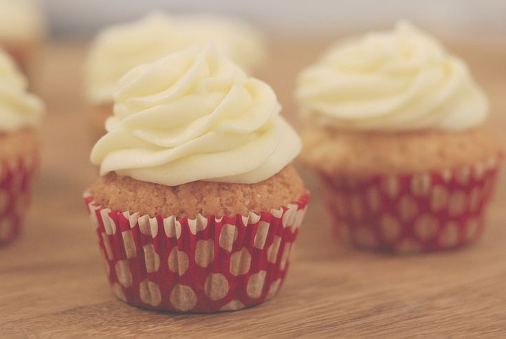 vanilkové cupcakes // vanilla cupcakes
