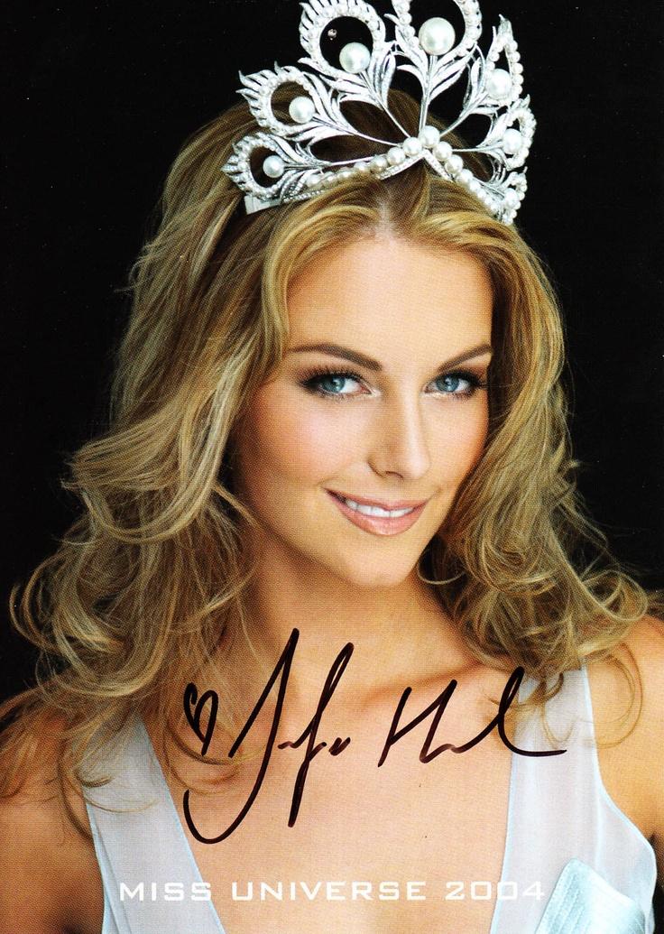 Jennifer Hawkins - Miss Universe 2004 - Australia.