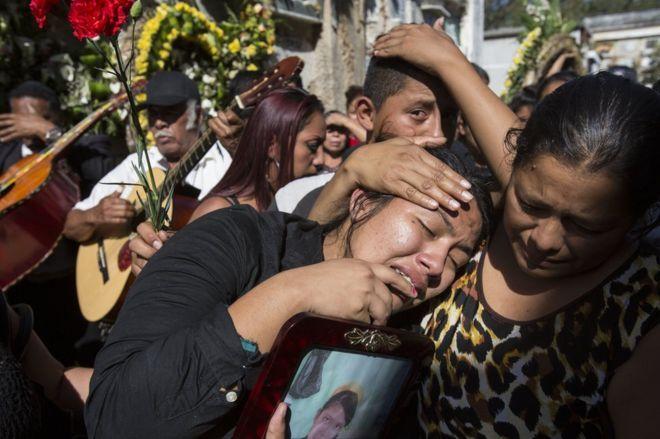 Diario En Directo: Un asesinato, violaciones, maltratos y más de 200 ...