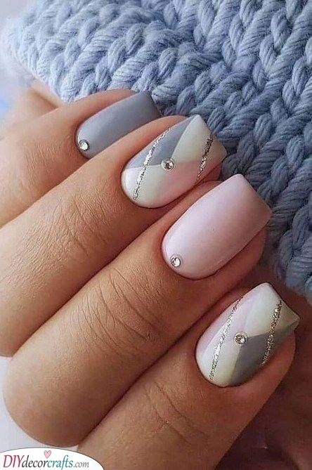 Sq. and Elegant – Glitter and Gems