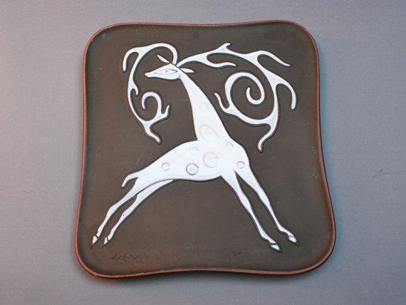 Modernist Danish KNABSTRUP wall hanging deer plaque, designed by Erik Morch . Brown and white ceramic . Decor . Vintage 1960s