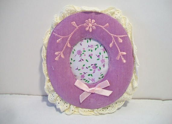 Vintage Giftco Inc Purple Velvet Oval Picture Frame 1984