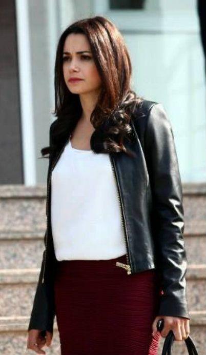 "Özgü Namal - ""Merhamet"" TV Series 2013/2014"