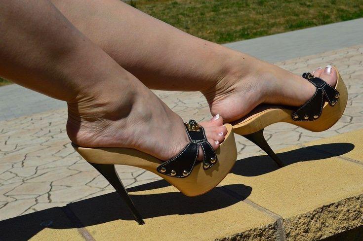 fetish-heels-mules-in-the-street-www-hot-porn