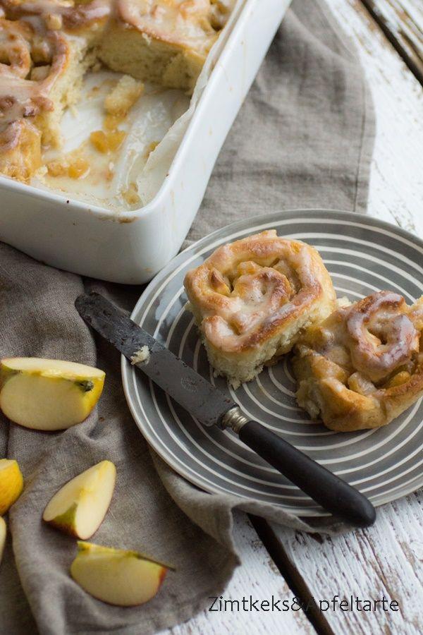 Apfel Zimt Schnecken mit Frischkäse Buttercreme Frosting - http://zimtkeksundapfeltarte.com/2016/01/03/apple-cinnamon-rolls-creamcheese-frosting/