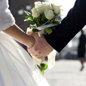 """Offerte di lavoro Palermo  Il giovane si era appartato poco dopo il matrimonio ma è stato sorpreso dal suocero: sono dovuti intervenire i carabinieri  #annuncio #pagato #jobs #Italia #Sicilia Sposo """"beccato"""" con la testimone party di nozze finisce in rissa a Caltanissetta"""