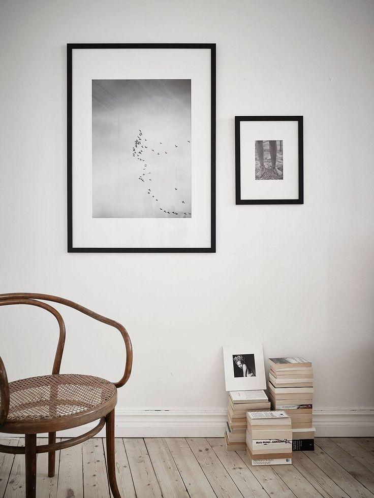 de hogar neutro con detalles en negro - a través de cocolapinedesign.com