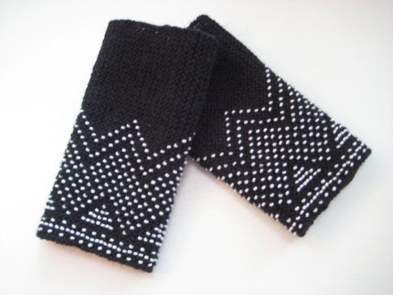 Black traditional lithuanian hand knitted wrist by Aurelija