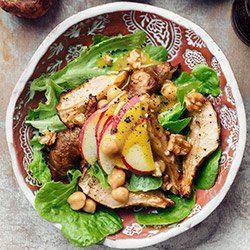 Sałatka z pieczonym topinamburem, ciecierzycą i jabłkiem | Kwestia Smaku