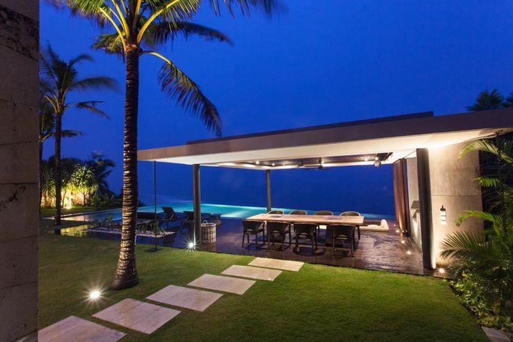 Evening look on Jamadara's outdoor living pavilion complete with wet bar and sunken living room. #semarauluwatu #bali