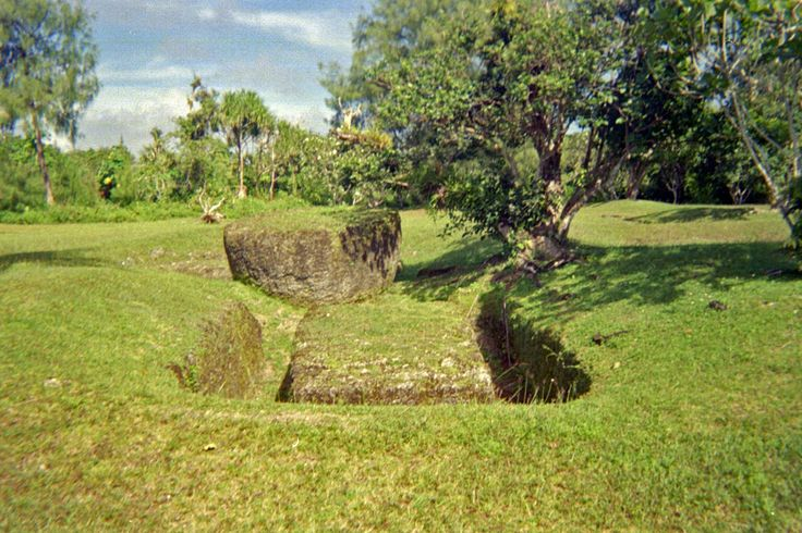 Micronesia - Rote Latte Stone Quarry - N Mariana Islands, southern Rota - cut stones up to 7.6 m long