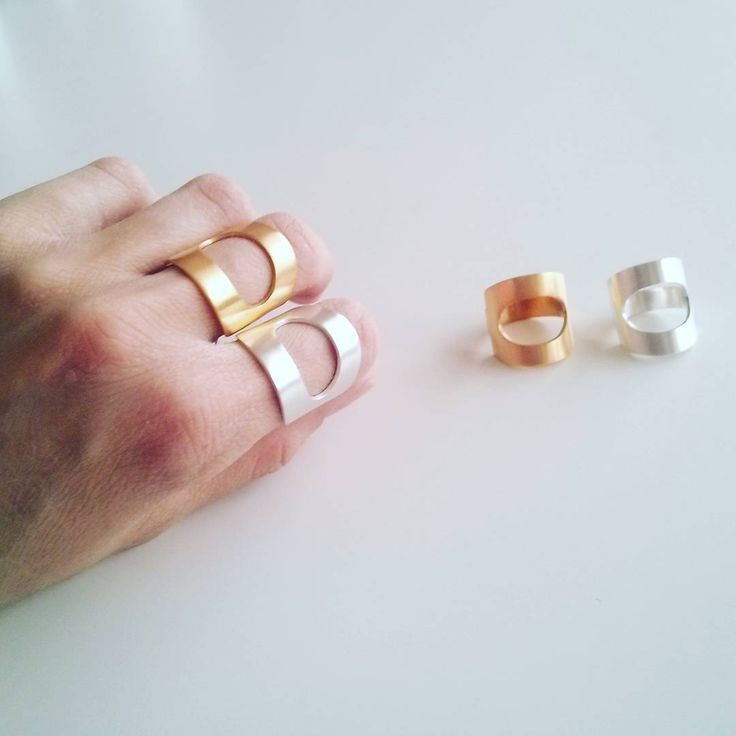London is calling these babies! Ready to ship today, geometric rings in silver & 24K gold plated. #ring #handmadejewelry #silverjewelry #tothemetal #instajewelry #jewelrygram #jewelrydesign #skg #style #fashionjewelry #geometric #fashion #london #contemporary #etsy #etsyshop #greekdesigner