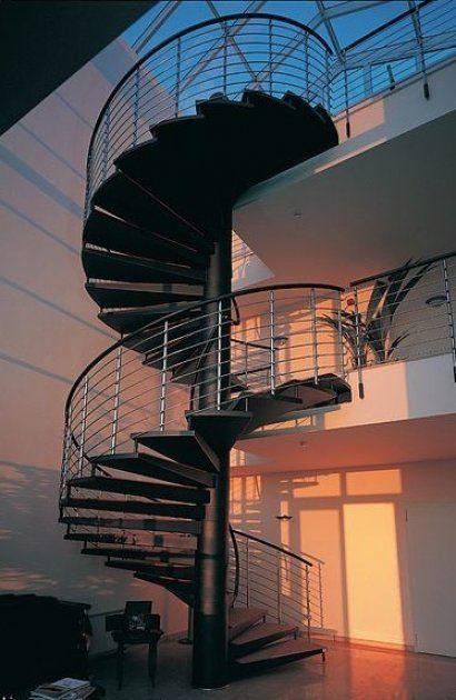 Las 25 mejores ideas sobre escaleras de caracol modernas for Ver escaleras de caracol