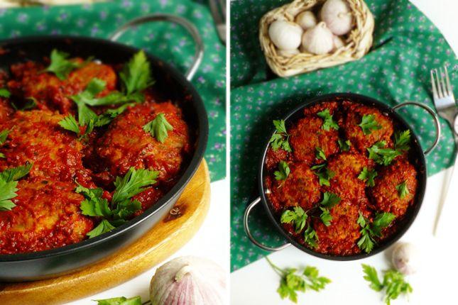 Котлетки из трески в томатном соусе