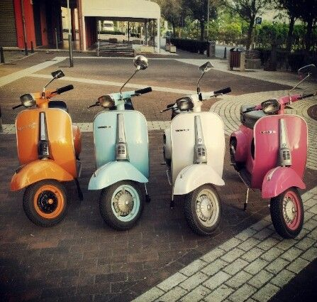 The #Vespa 50 Special, in special colours