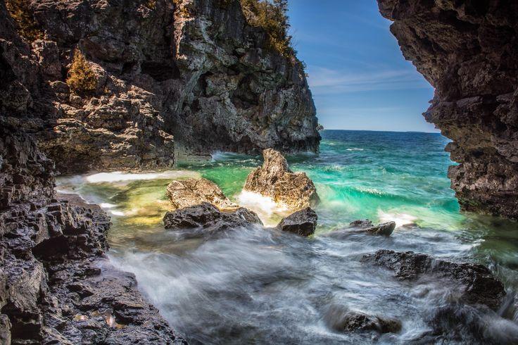 The Grotto Tobermory Canada [OC][6000x4000]