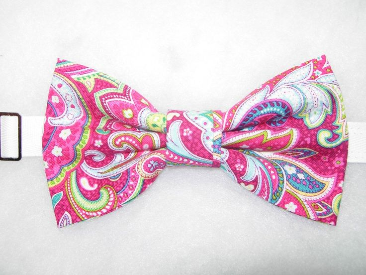 Pre tied bow tie - Light pink tonal chevron pattern Notch