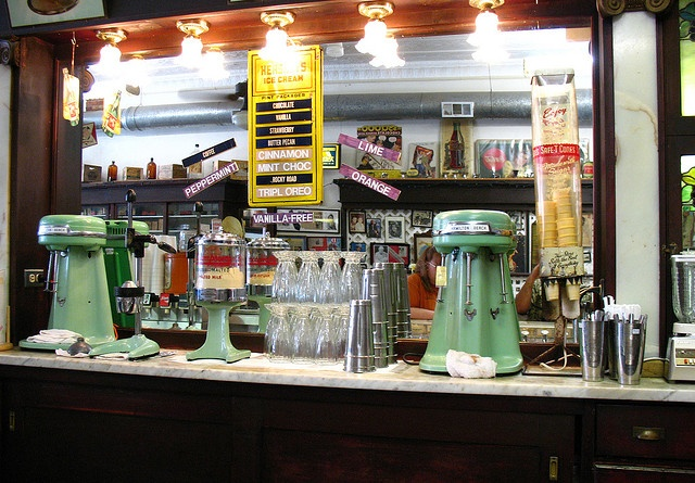 old drug store soda fountain -  Ryan's Drug store downtown Greenville was the only soda fountiain We went to.