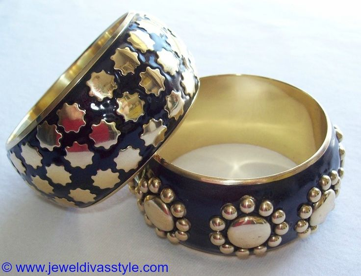 JDS - GOLD & BLACK METAL BANGLES - http://jeweldivasstyle.com/my-personal-collection-black-jewellery-15/