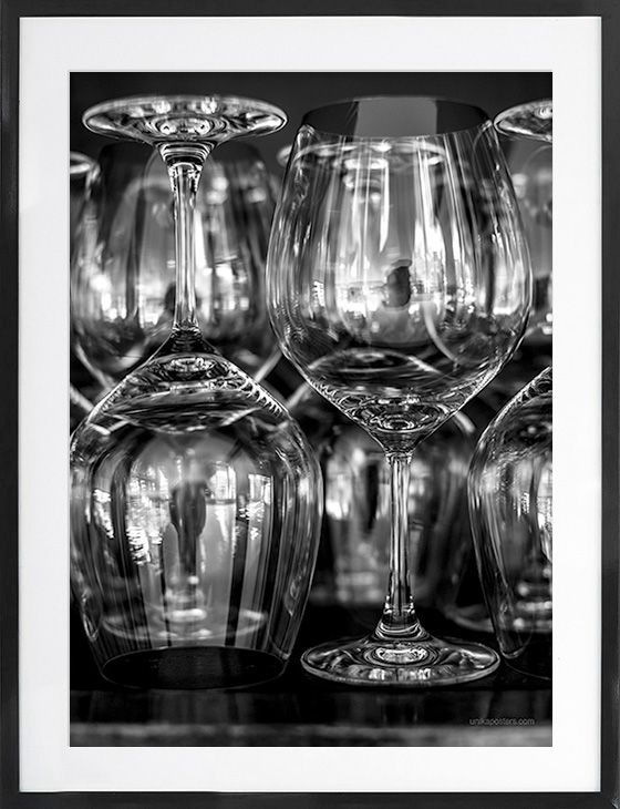 Wineglas from Unikaposters.