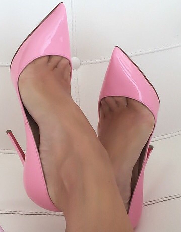 Nylon Toe Cleavage 75