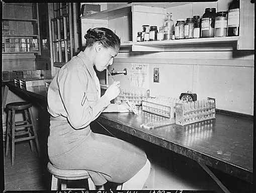 Pfc. Johnnie Mae Welton working in a lab at Fort Jackson Station Hospital in 1944.